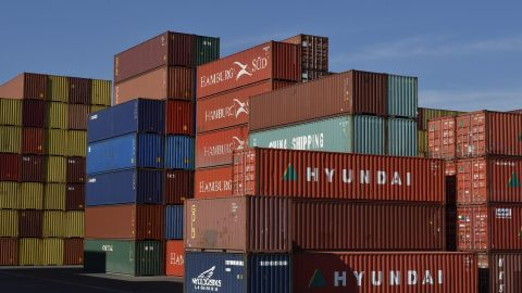 Logistics: containers for solar panels